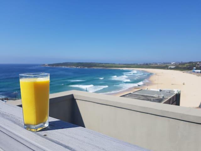 Sunlit Beachside Apartment