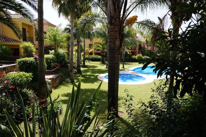 CASA DE LUJO EN GOLDEN MILLE, Marbella.4 DORM-Wifi - Marbella - Dom