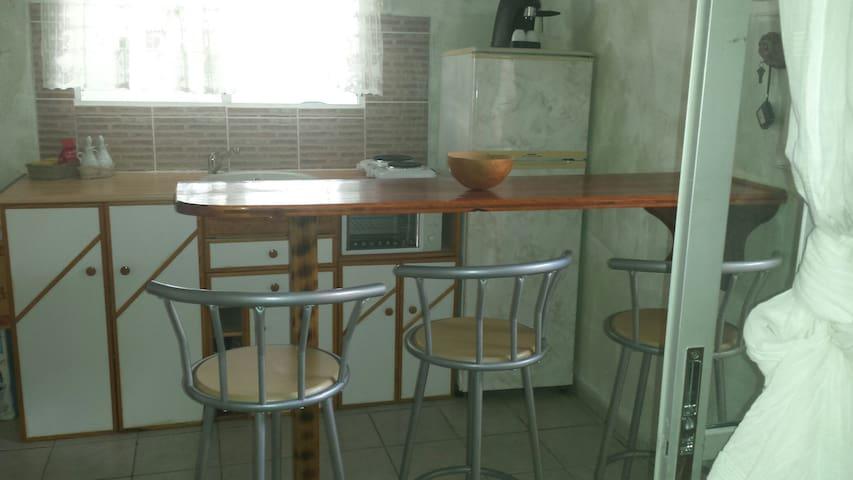 Studio proche de St Pierre - Bellefontaine - Hus