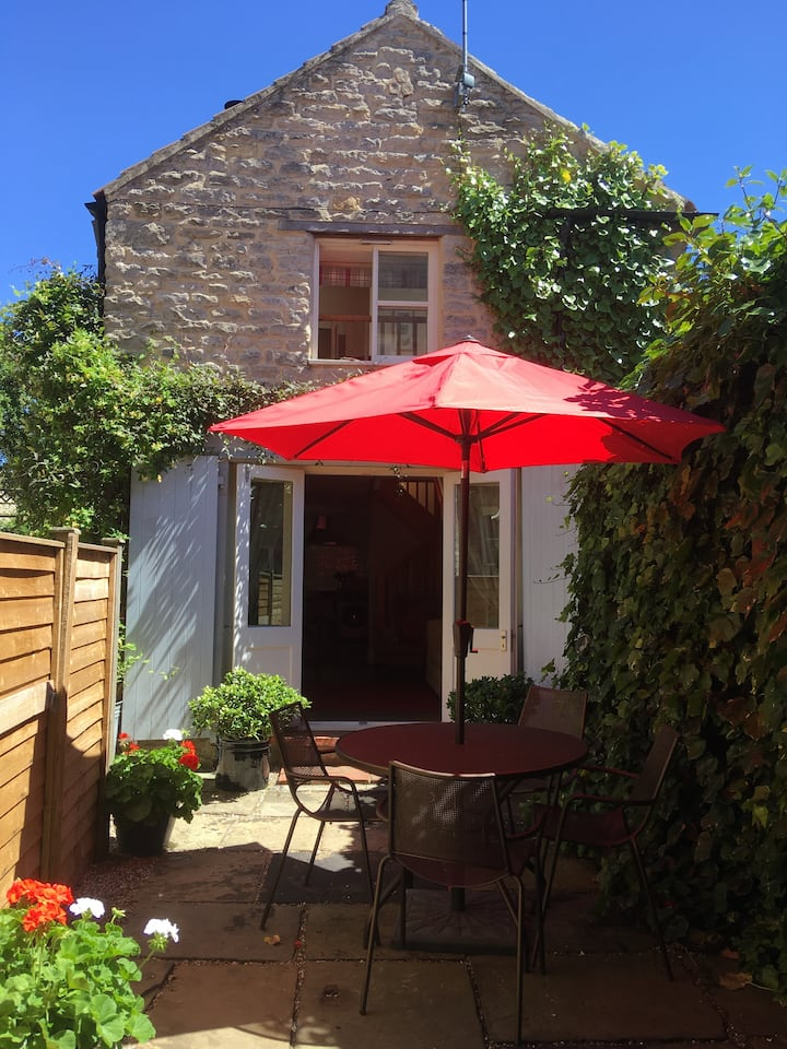 Castlegate Coach House with parking and free wifi