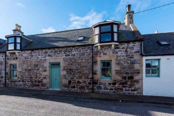 Pretty cottage on Moray coast: walks & whisky