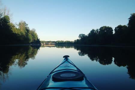 Kemptville Waterfront Retreat