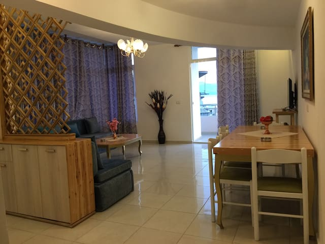 Villa downtown Saranda 80 meters from beach