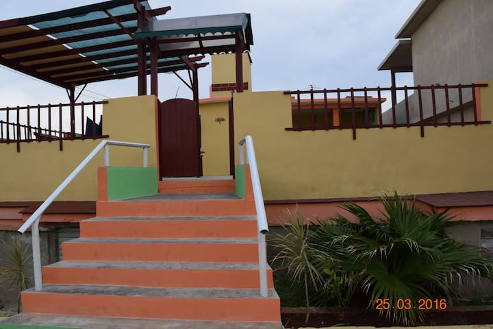 Seaside house with full breakfast - Playa Baracoa - Rumah