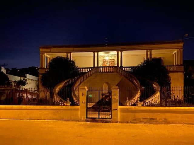 Villa Bonciello - 50 shades of Grey room