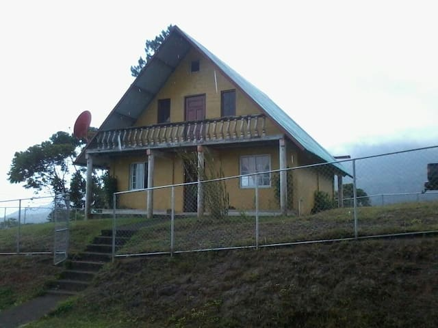 Cabaña Familiar en Alto de Piedra