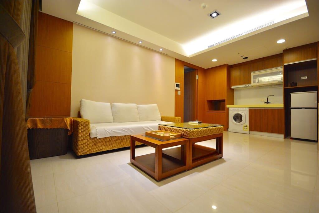 寬敞的客廳空間,讓您與家人朋友共聚暢聊旅行美好回憶
