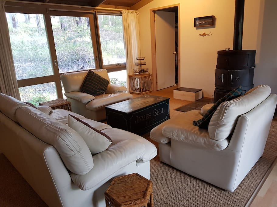 Living area, open fire