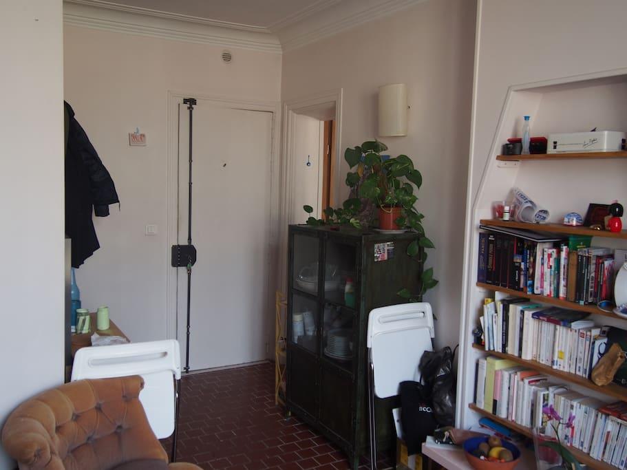Charmant appartement avec balcon appartements louer for Appartement avec balcon paris