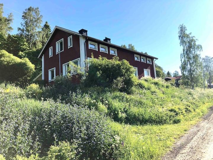 Lägenhet i hus vid sjöar i Höga Kusten, Nordingrå