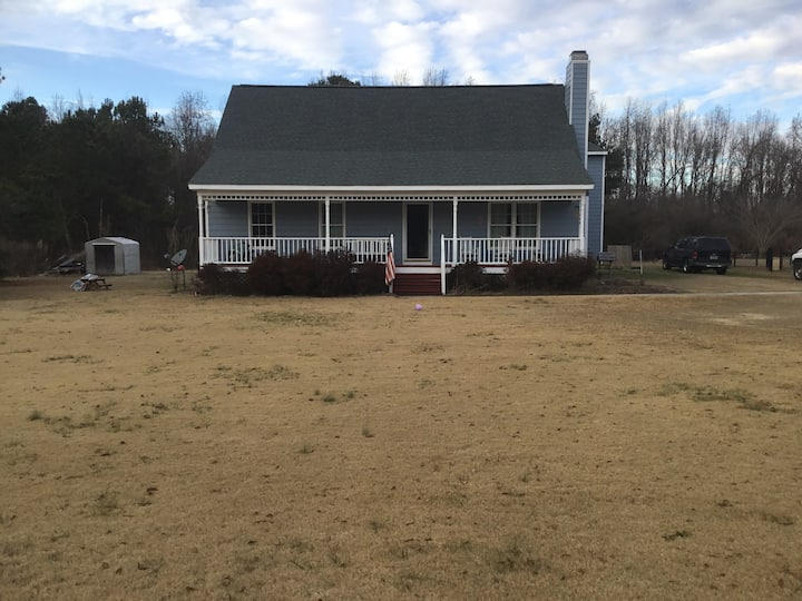 Fuquay-Varina Home, Quiet and Peaceful