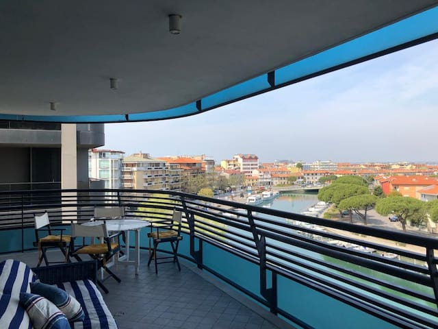Sunny and peaceful flat with Grado's best view