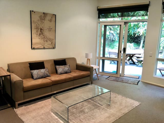 Garden apartment in the heart of Lorne.