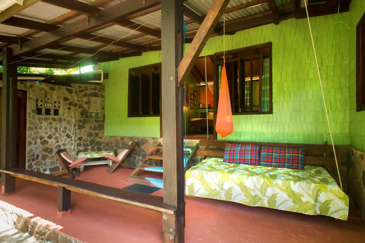 Cocoa Cottage - Bwa Room