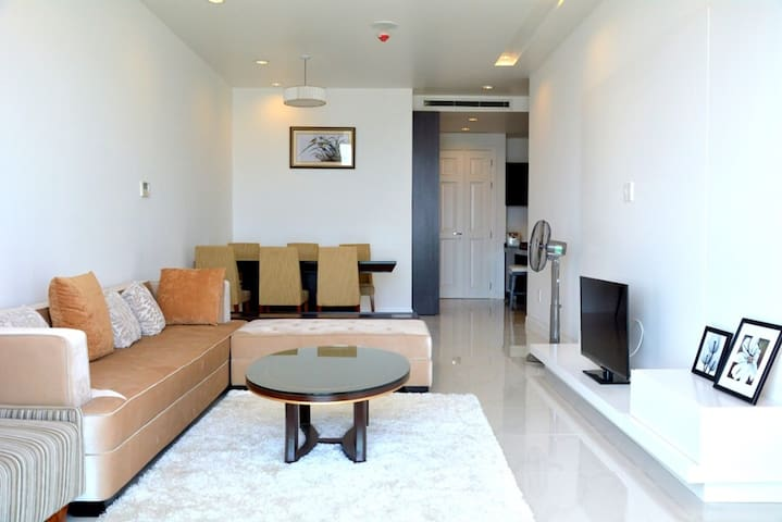 Three bedrooms ocean vista apartment