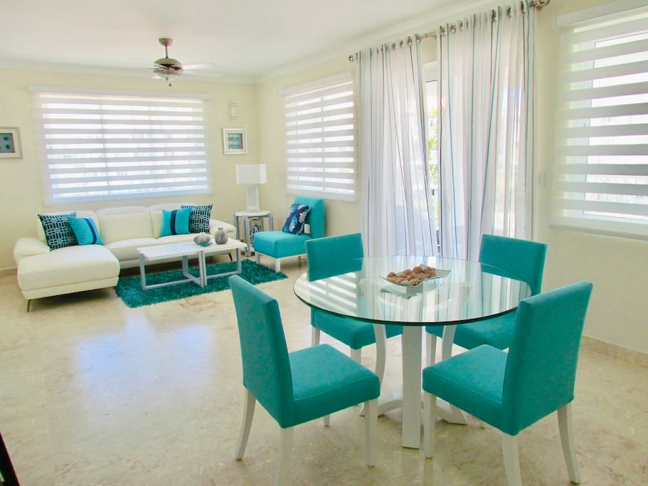Open and spacious living and dinning rooms