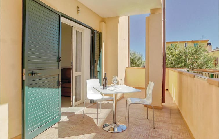 Holiday apartment with 2 bedrooms on 90m² in Orosei