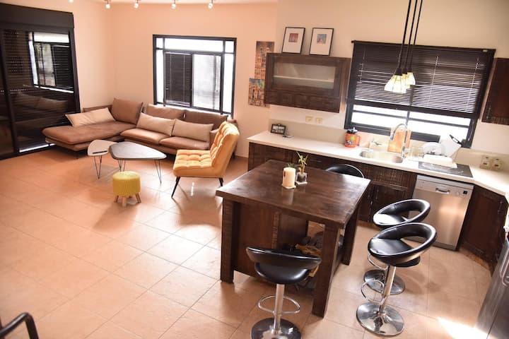 luxury 2 story house - בית נופש יוקרתי בחדרה