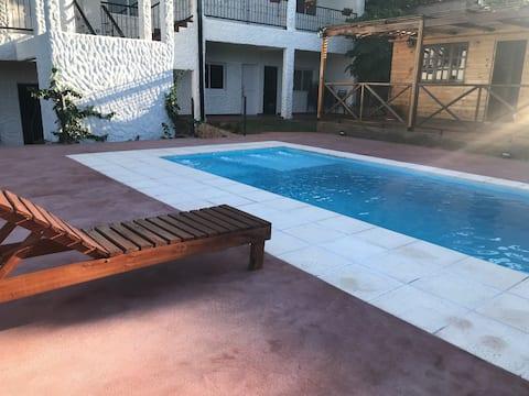 Habitación céntrica frente al Rio C/ piscina hab 3