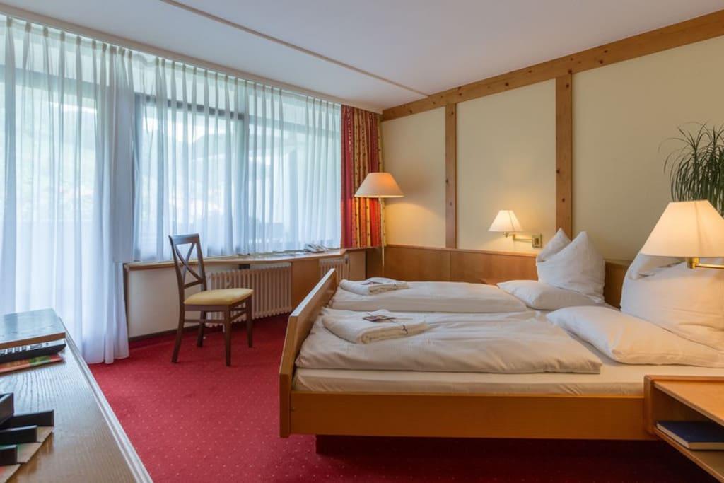 Enjoy the Alpenveilchen Studio (King bed avail.)