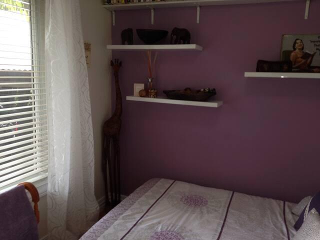 Light modern room - Belrose
