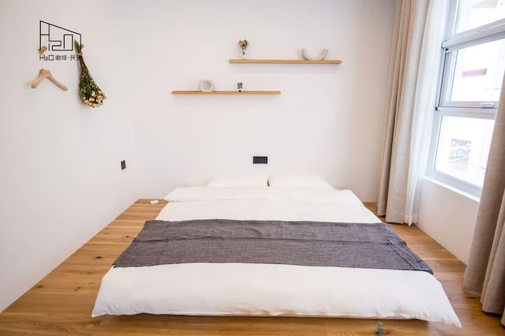 「H2O咖啡.民宿」舒适大床房