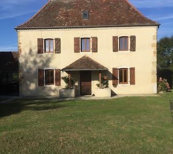 Maison du Piémont - cosy, tranquil Bearnaise house - Maslacq - Talo
