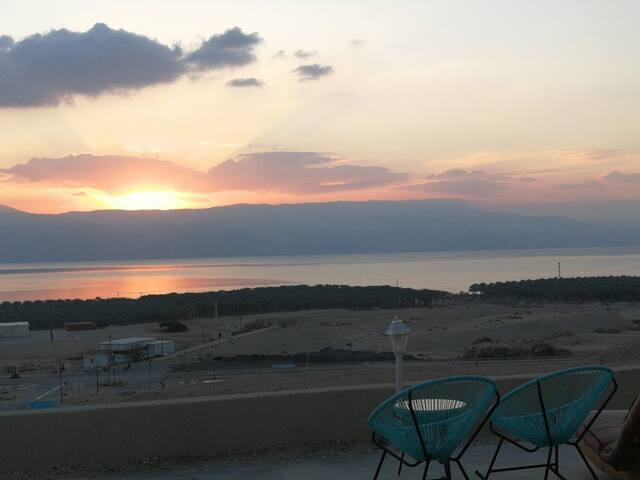 Charming double room in Dead Sea
