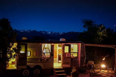 Colorful Baja Camper with lake & mountain views - Bridgeport