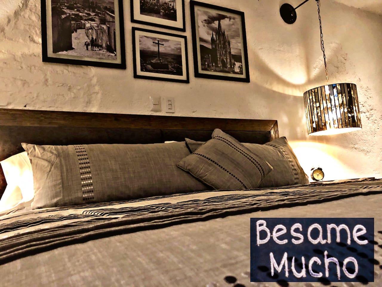 """El Loft """"Bésame Mucho"""" se encuentra en el segundo piso y cuenta con todas las comidades para hacerte sentir en casa."""