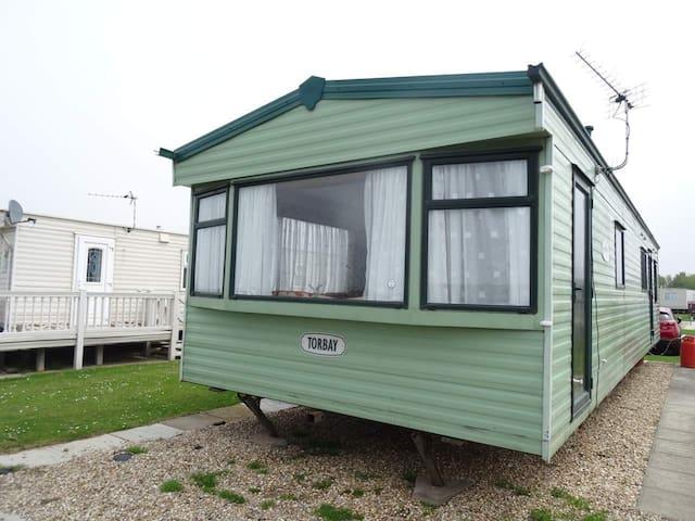 4 Bed 8 Berth Caravan Millfields Caravan Park