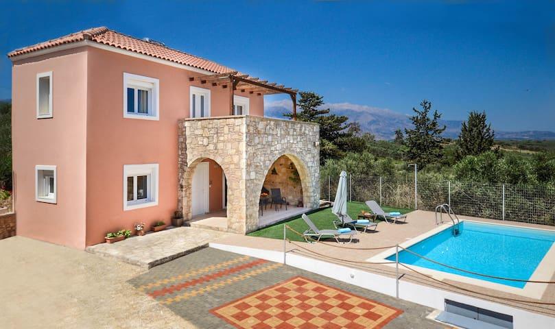 Villa Silvia maisonette with pool