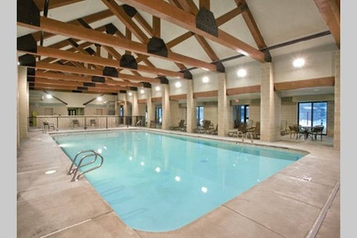 W Yellowstone 2BR Resort Free WiFi! #2 - West Yellowstone - Casa de camp