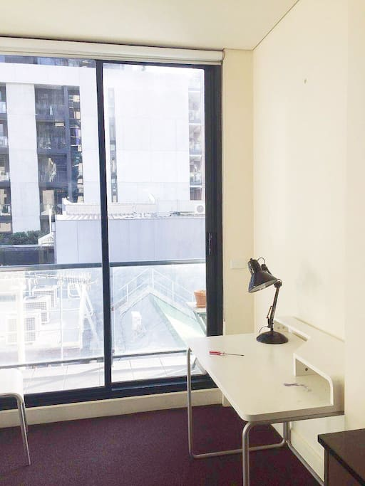 Melbourne City One Bedroom Apartment Only 75aud