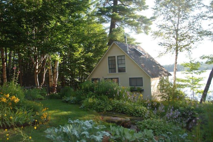 Cozy Cottage Waterfront Retreat on Webb Lake