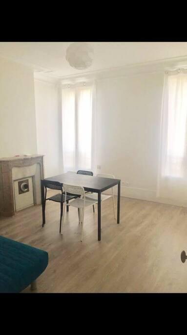 lumineux pied terre parisien appartements louer alfortville le de france france. Black Bedroom Furniture Sets. Home Design Ideas