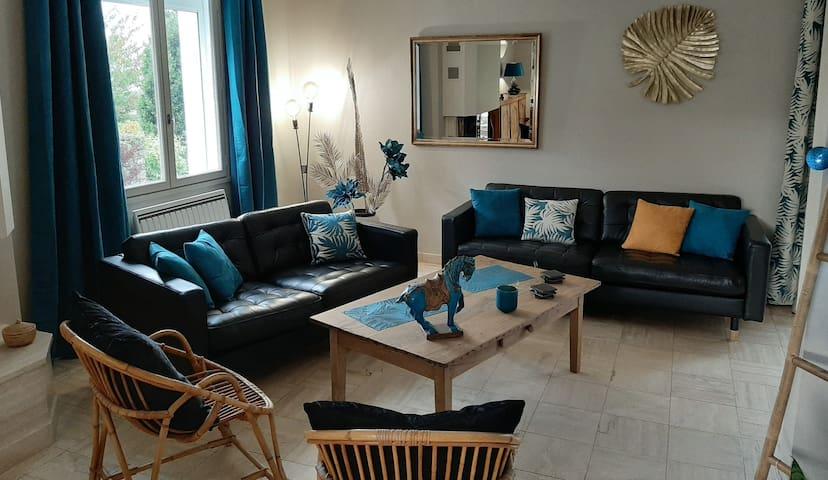 Maison au coeur d'Avranches avec jardin paysager