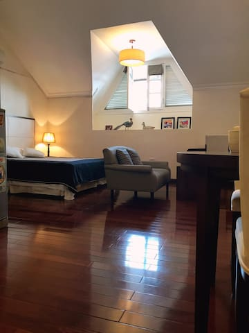 Cosy Serviced Studio Near the Old Quarters