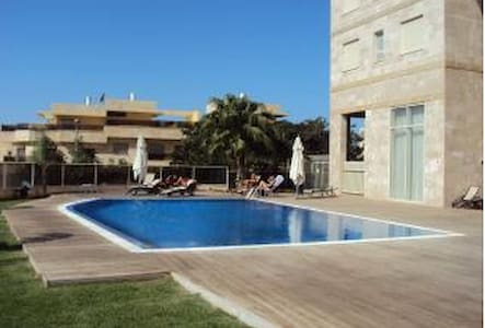 3 bedroom apartment with pool, close to beach - Netanya - Apartment