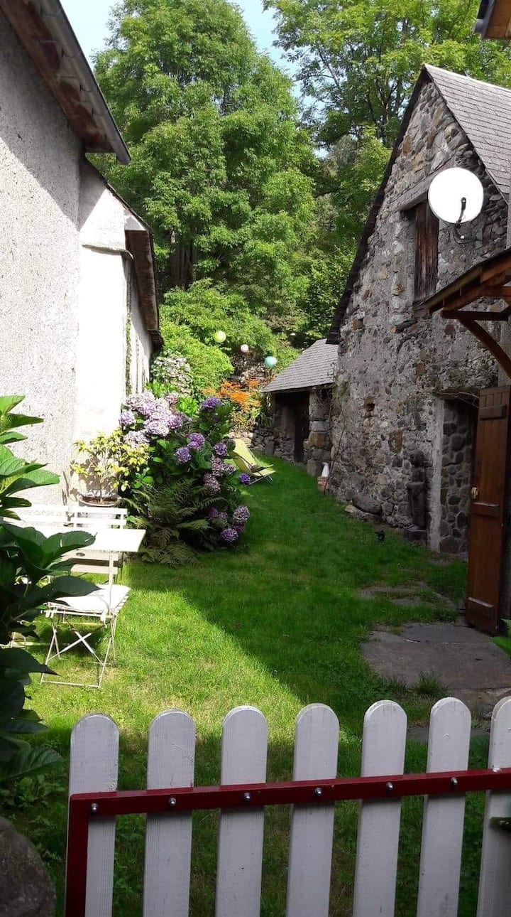 LESPONNE - Jolie Maison Cosy au Cœur du Village