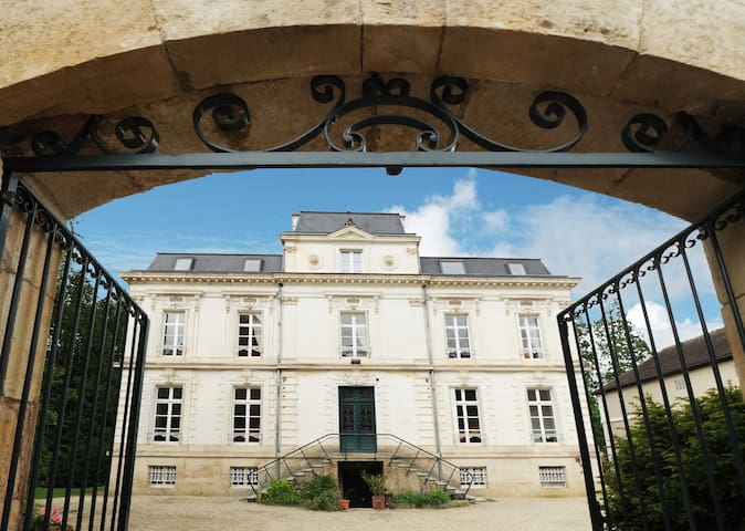 Gîte Ambroisie de 21 à 32 pers. près de Vézelay - Sermizelles - Ev