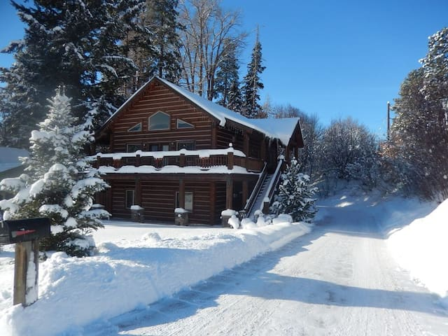 Cozy Condo near Ski Resort & Glacier National Park