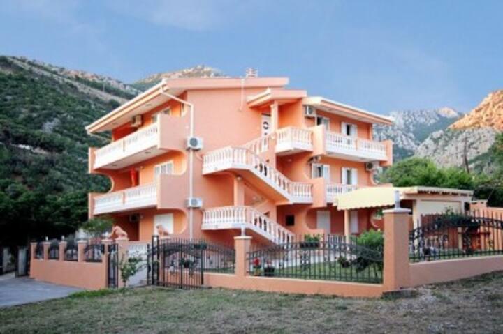 Apartments Milacic