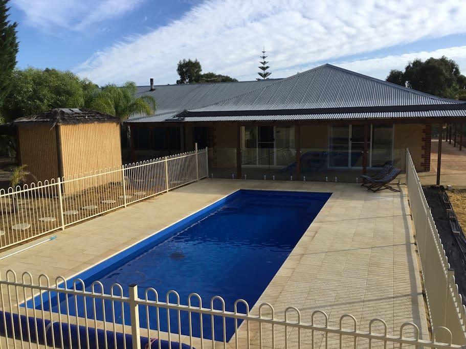 Large pool 10m x 3.4m