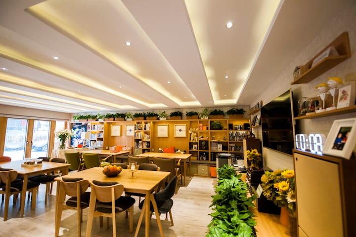 """""""倍暖""""是宽敞明亮的空间,亦是一个温暖的家。 - Beijing - Pis"""