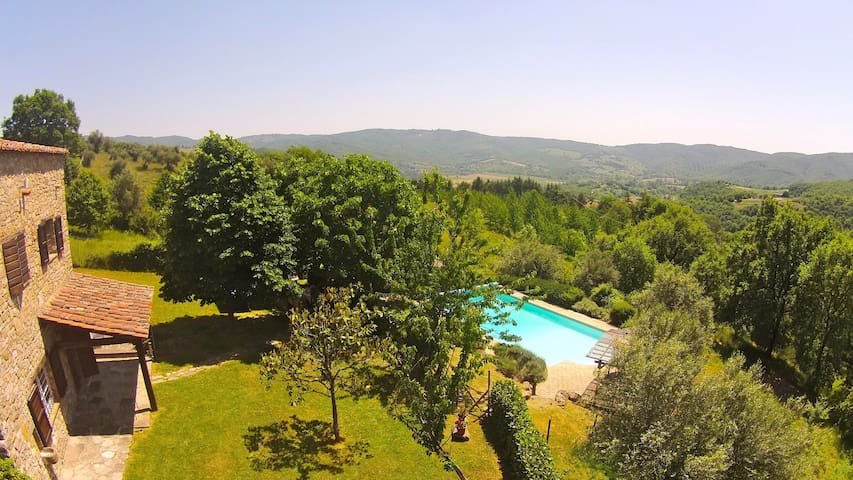 Casa del Lupo: heated, fenced pool great views. - Crocicchie - Villa