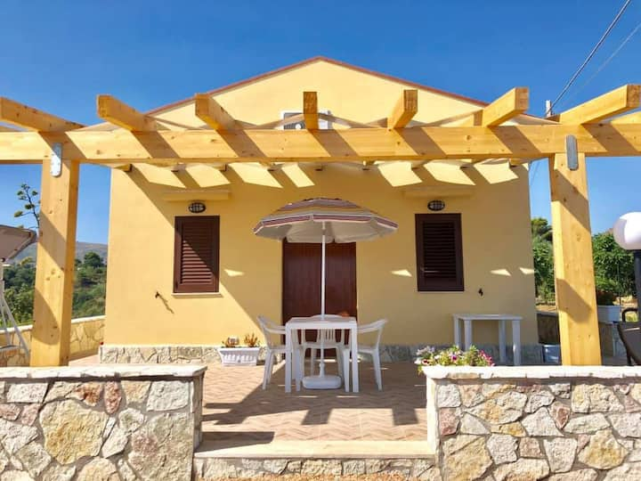 Villa F (FNM Suites)