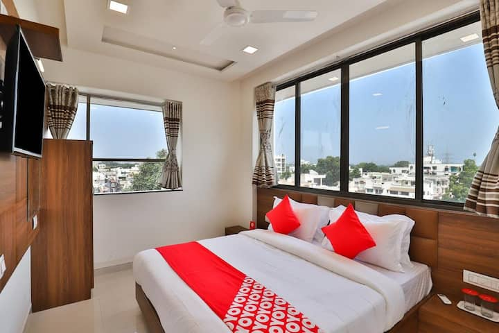 Deluxe AC Rooms at sabarmati ahmedabad