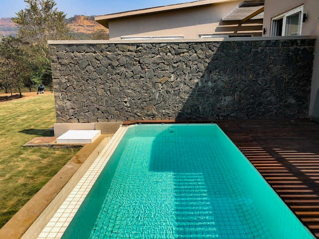 Plunge Pool With Deck & Garden