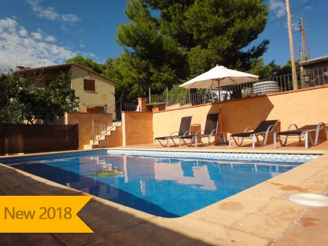 Catalunya Casas: Villa Vespella for 10 in the Spanish countryside, only 12km from the beach!